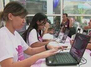 Campanha contra o câncer de mama é realizada na Avenida Agamenon Magalhães - Ato é para incentivar o diagnóstico precoce e o tratamento da doença.