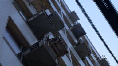 Aparelhos de ar condicionado pingando na rua incomodam pedestres de Vitória - Quem passa pelas ruas reclama do transtorno.