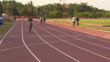 Provas de atletismo dos Jogos Universitários ocorrem no sábado - Competição começou na última sexta-feira. Confira os detalhes na reportagem.