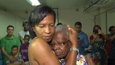 Filhos reencontram mãe em BH após quase 40 anos separados - Mulher estava na Bahia