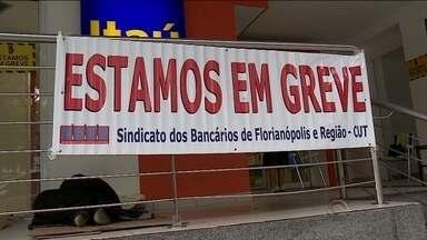 Bancários iniciam greve nacional por tempo indeterminado - Bancários iniciam greve nacional por tempo indeterminado