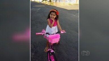 Jornal Anhanguera homenageia crianças pelo seu dia - Fotos enviadas por pais através do aplicativo QVT são exibidas nesta edição. Homenagem acontece em comemoração ao dia das crianças.