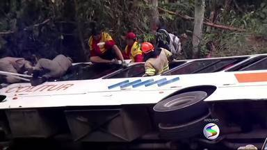 Tragédia com ônibus em Paraty, RJ, completa um mês - Grave acidente deixou 15 mortos e outras 62 pessoas feridas.