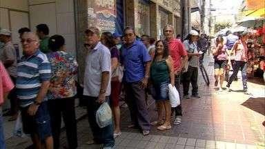Bancários entram em greve, e parte das agências está fechada no Ceará - Segundo sindicato, greve não tem data para terminar.