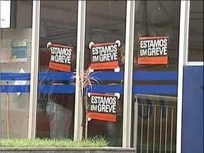 Bancários entram em greve no Vale do Aço - Na maioria das agências, apenas caixas eletrônicos estão funcionando.