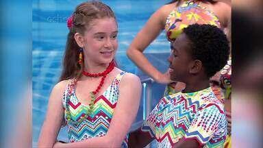 Relembre participação de Marina Ruy Barbosa no quadro 'Dancinha dos Famosos' - No ritmo samba, a atriz dançou com Rodrigo, de 12 anos, sob a orientação da bailarina Nana Nassif