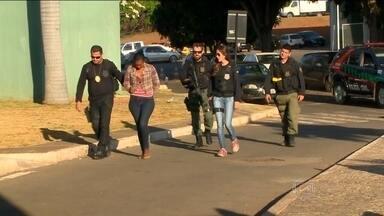 Polícia faz operação contra o tráfico de drogas em quatro estados e no DF - É uma tentativa de impedir a entrada na capital da facção criminosa que atua dentro de presídios de São Paulo. Polícia procura 49 pessoas. Várias já foram presas na manhã desta sexta-feira (9).