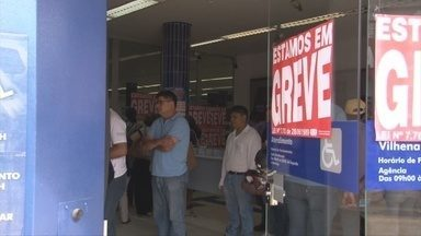 Usuários sentem reflexo da greve dos bancários - Em Vilhena, usuários temem juros ao não conseguir pagar contas.
