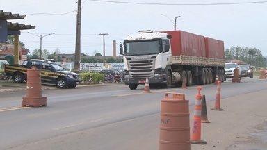 PRF deve intensificar fiscalização durante o feriado - Em Ariquemes, a operação Aparecida visa reduzir o índice de acidentes na estrada.