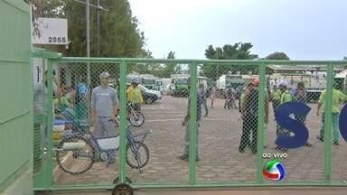 Garis continuam em greve - Este é o segundo movimento em um mês. Justiça mandou Solurb pagar funcionários