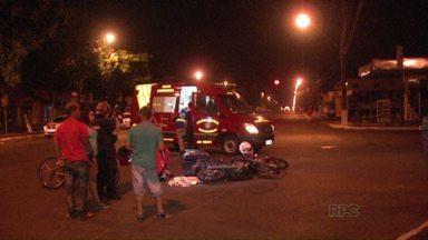 Duas motos se envolvem em acidente na Avenida General Meira em Foz do Iguaçu - Os condutores tiveram só alguns arranhões.