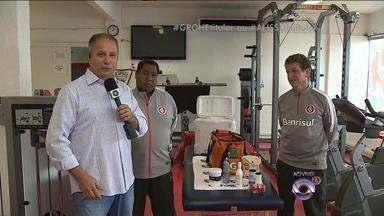 Massagistas colorados falam sobre trabalho no Inter - Paulo Renato e Juarez estão no clube há décadas.