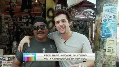 Gil Coelho visita a Paraisópolis da vida real para encontrar um Lindomar - Ator encontra rapazes no estilo do personagem e dá dicas de paquera