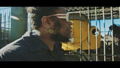 Confira o clipe do rapper carioca Bnegão - Não perca!