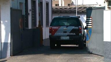 Policiais da Rota suspeitos de execução em Pirituba são soltos - Na época, os policiais contaram que três homens estavam em um carro e não obedeceram a uma ordem de parar. E que, em um tiroteio, dois foram atingidos e morreram. O terceiro fugiu.