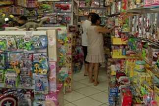 Shopping de Mogi das Cruzes tem movimento maior por causa do Dia das Crianças - O funcionamento das lojas na segunda-feira (12) é opcional.