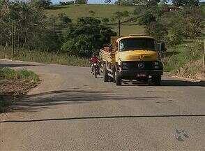 Começam reparos na rodovia PE-121, no Agreste - Departamento de Estradas de Rodagem contratou empresa para realizar o serviço da saída de Cupira em direção a Lagoa dos Gatos.