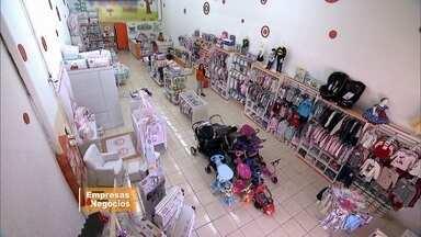 Empresária de SP lucra com venda de produtos para bebês - No Vc no Pegn, conheça a história de sucesso da paulistana que colocou a mão na massa e em pouco tempo conseguiu abrir uma loja de produtos de bebês.