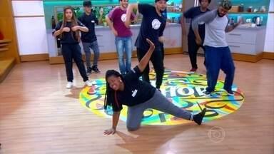 Hip hop ajuda jovem a emagrecer e a recuperar a autoestima - Fernanda perdeu 5Kg apenas dançando, praticamente sem mudar a alimentação. Em pouco tempo fazendo aulas, ela começou a fazer parte de um grupo e até se destaca.