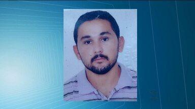 Homem é assassinado em Patos, no Sertão - Alexandre da Silva Medeiros, de 28 anos, estava jogando baralho com três amigos quando foi morto.