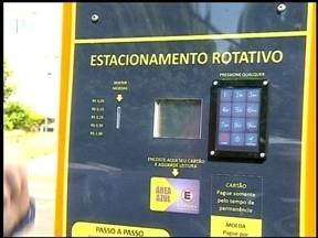 Começam a funcionar os parquímetros do estacionamento rotativo de Erechim, RS - Confira como usar estes equipamentos.