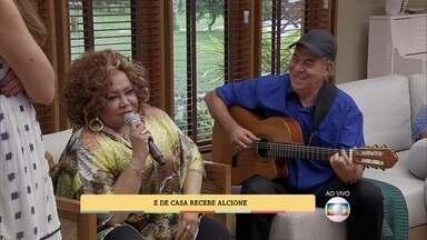 Alcione comenta participação em 'Mister Brau' - Cantora embala programa com canção 'Namorada do Sol'