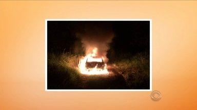 Jovem é encontrada queimada e seminua na BR-470 no Vale do Itajaí - Jovem é encontrada queimada e seminua na BR-470 no Vale do Itajaí