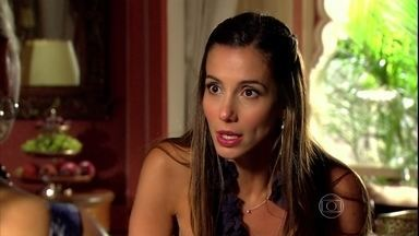 Duda explica a Chiara qual é o seu plano com Opash - Chiara ouve a amiga e decide ir fazer uma passagem