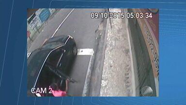 Polícia divulga imagens de supeitos de balear casal em Salvador - O crime aconteceu durante uma tentativa de roubo de carro, na Rua Chile, centro de Salvador.
