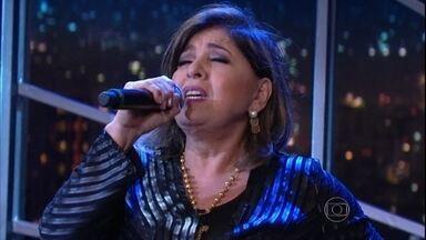 """Roberta Miranda canta """"Acho que Esqueci de Mim"""" - Música é o mais recente sucesso da cantora"""