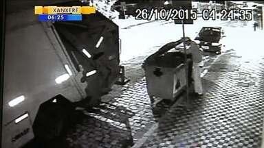 Câmeras flagram irregularidades na coleta de lixo de Blumenau - Câmeras flagram irregularidades na coleta de lixo de Blumenau