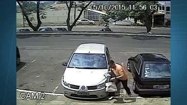 Moradores do Núcleo Bandeirante estão preocupados com a violência - Os furtos e assaltos acontecem à noite e até de dia. Câmeras de segurança flagraram criminosos assaltando uma mulher em um prédio residencial.