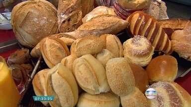 Itens do café da manhã ficam mais caros em Belo Horizonte - Pesquisa realizada pelo site de pesquisa Mercado Mineiro, o pão francês, por exemplo, teve aumento médio de 9% e o leite, 10%. Estes itens também têm grande variação de preço entre estabelecimentos.