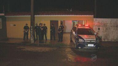 Polícia Militar encontra depósito de drogas em Limeira - Foram apreendidos no local mais de 40 quilos de maconha.