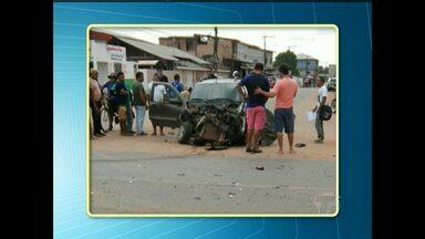 Batida entre carro e carreta deixa um ferido no bairro Nova República - Acidente foi na Avenida Cuiabá com Avenida Tancredo Neves.