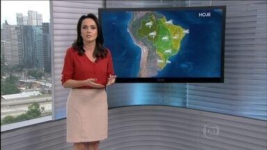 Veja a previsão do tempo para todo o Brasil nesta sexta-feira (6) - A chuva deve dar uma amenizada nos três estados do Sul. Há previsão de chuva fraca na faixa leste da região. Pode chover forte no Norte do país, na região Centro-Oeste e em parte do Sudeste.