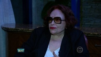 Cantora e atriz Bibi Ferreira conta detalhes do show em homenagem a Frank Sinatra - Artista conta como foi o processo de escolher o repertório.
