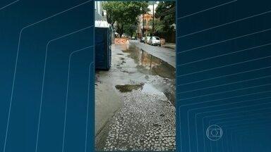 Morador faz flagrante de vazamento de água em Botafogo - O morador Lúcio Ramos, fez um flagrante de vazamento de água em Botafogo. Confira.