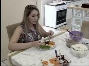Mulher chega aos 100 kg e muda rotina para perder peso - Confira a história no quadro 'Perdendo peso, ganhando saúde'.