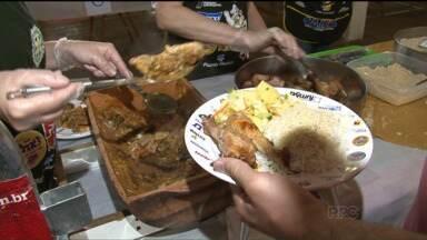Tradição da cidade de Umuarama reuniu centenas de pessoas - Centenas de pessoas aproveitaram o fim de semana para curtir a festa.