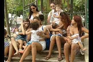 Mães fizeram um 'mamaço' na praça Batista Campos, em Belém - Elas são contra uma postagem em uma rede social, que criticava o ato de uma mulher amamentar em público.