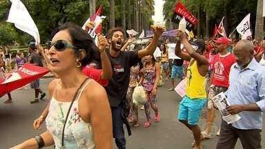 BH têm protestos contra a presidente Dilma Rousseff e o deputado Eduardo Cunha - Manifestantes se reuniram nas praças da Assembleia, Liberdade e Estação, no fim de semana.