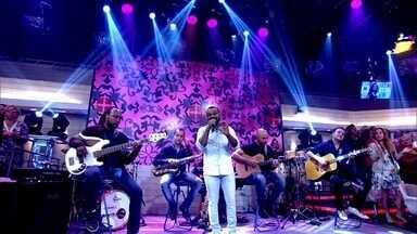 No ritmo da 'sofrência', Pablo abre o programa - Fátima apresenta convidados