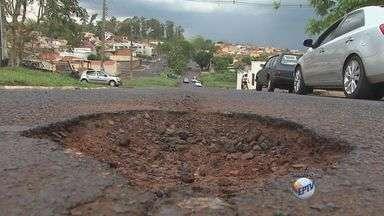 'Até Quando' cobra prefeitura sobre buracos nos bairros Ipiranga e no Planalto Verde - Prazos para reparos no asfalto venceram na sexta-feira e no sábado.