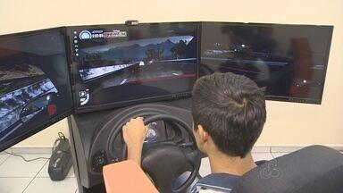 Aulas em simuladores de trânsito serão obrigatórias a partir do fim de dezembro - Reportagem explica mudanças.