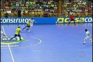 Brasil derrota Irã e conquista Grand Prix de Futsal - Com gol de Falcão, seleção brasileira vence por 4 a 3 e conquista caneco pela nona vez