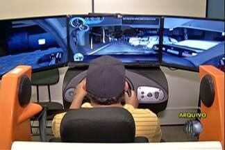 Uso do simulador nas autoescolas volta a ser obrigatório em São Paulo - A lei começa a valer a partir do dia 14 de dezembro.