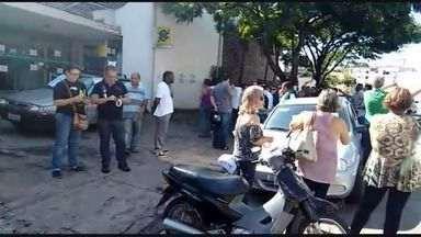Funcionários da Prefeitura de Lavras (MG) entram em greve por atraso de salários - Funcionários da Prefeitura de Lavras (MG) entram em greve por atraso de salários
