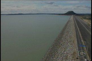 Vazão de água da Barragem de Sobradinho pode chegar a menor da história - Operador Nacional do Sistema Elétrico recomendoi que a Chesf reduza de 900 para 800 metros cúbicos a vazão da água de Sobradinho