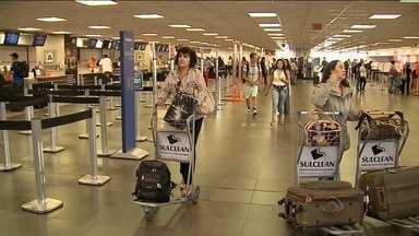 Reportagem mostra os problemas enfrentados por passageiros no Aeroporto Hercílio Luz - Reportagem mostra os problemas enfrentados por passageiros no Aeroporto Hercílio Luz
